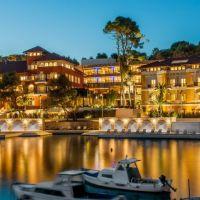 alhambra-hotels-villa-2.jpg